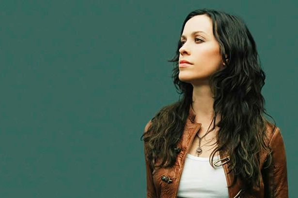 Placeholder - loading - Ex-empresário de Alanis Morissette assume ter roubado cantora Background