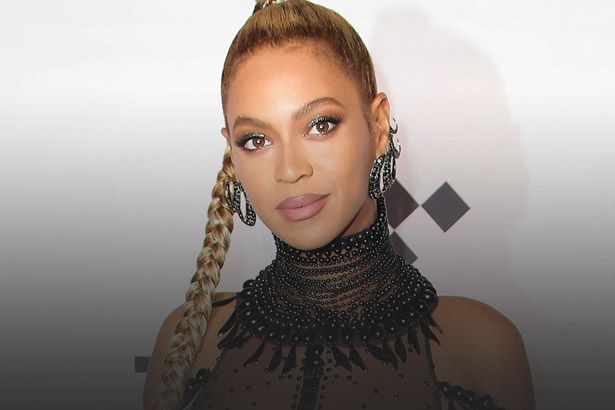 Beyoncé oferece ajuda às vítimas da cidade de Houston Background