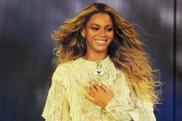 Confira homenagem de Beyoncé para vítimas de Orlando Background