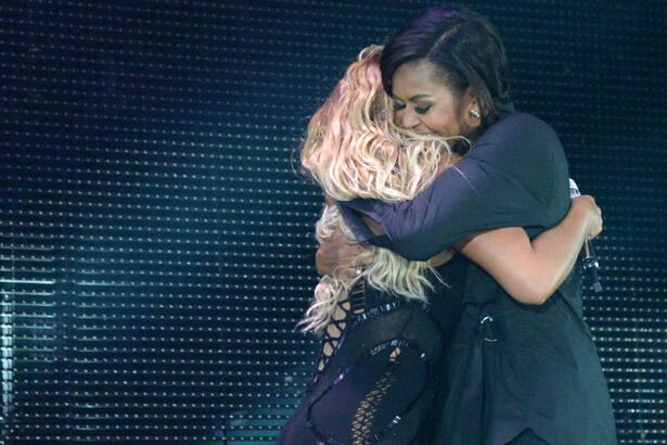 Placeholder - loading - Michelle Obama canta música de Beyoncé em programa de TV Background