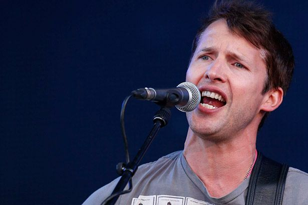 James Blunt revela título e capa de novo álbum Background
