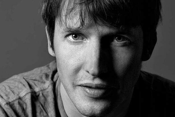 James Blunt estreia single do novo disco Background