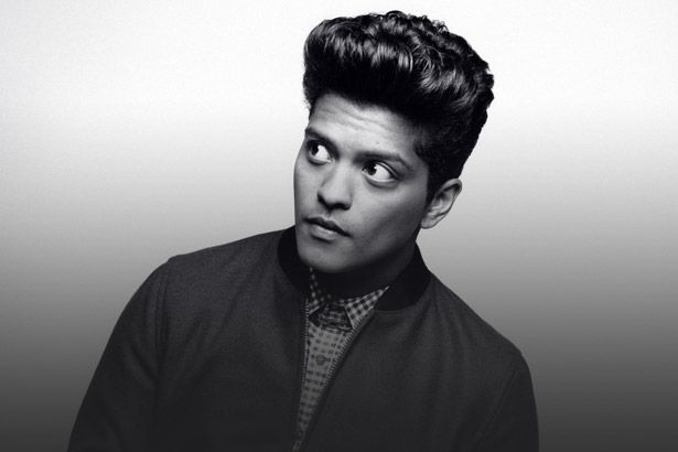 Bruno Mars anuncia shows extras no Brasil Background