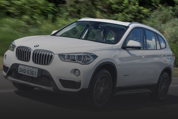 BMW anuncia recall do modelo X1 por problemas no airbag Background