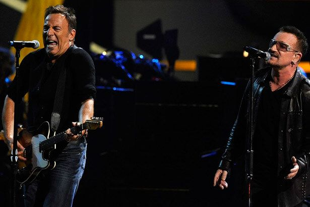 Bono participa de show de Bruce Springsteen; Confira! Background