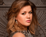"""Canção """"Invicible"""" de Kelly Clarkson terá clipe lançado em breve Background"""