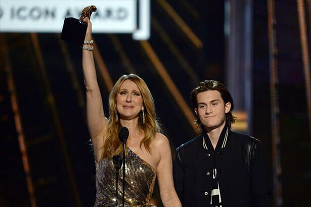 Celine Dion recebe o Billboard Icon Award Background