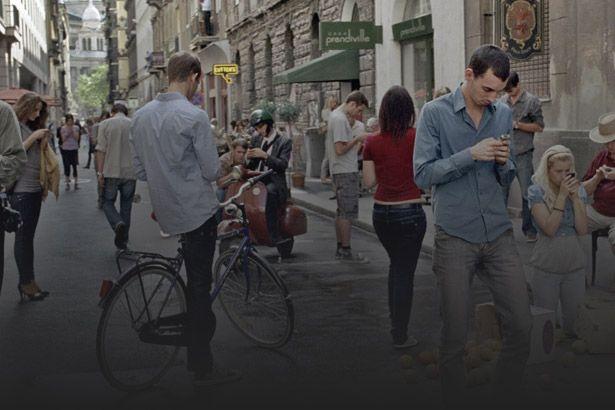 Brasileiros estão cada vez mais viciados nos celulares Background