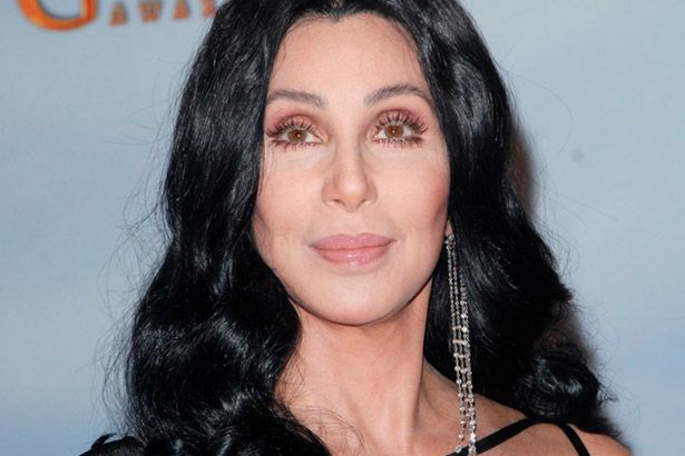 Há 18 anos, Cher liderava parada com Believe Background