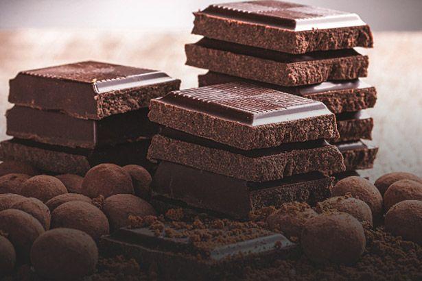 Substância presente no chocolate melhora o sono e a memória Background