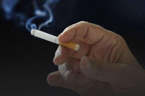Maior parte da população tem acesso a propagandas e ações contra o cigarro Background