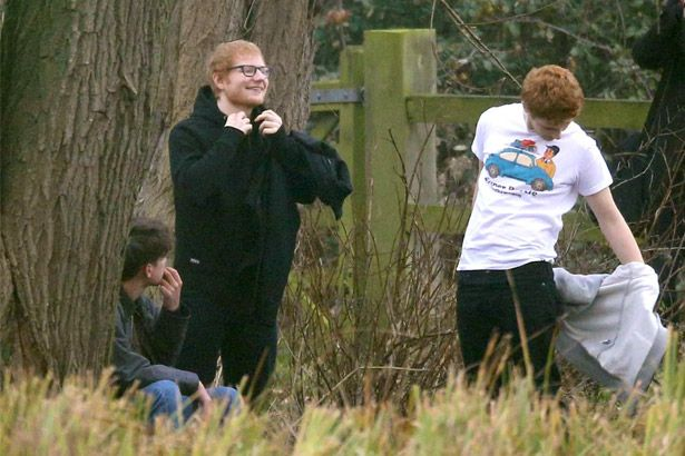 Ed Sheeran grava cenas de próximo clipe Background