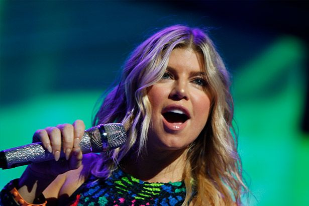 Novo disco de Fergie está pronto Background