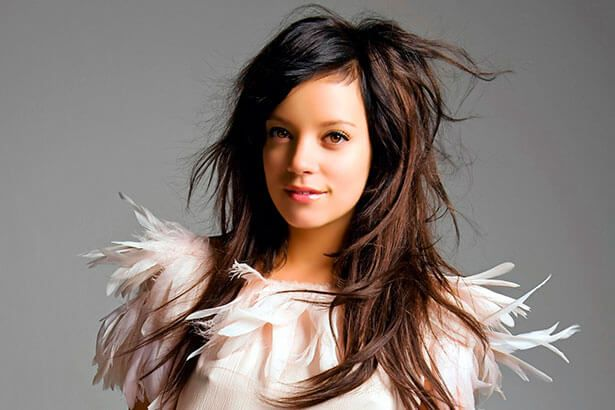 Placeholder - loading - Lily Allen convoca nova equipe para próximo disco Background