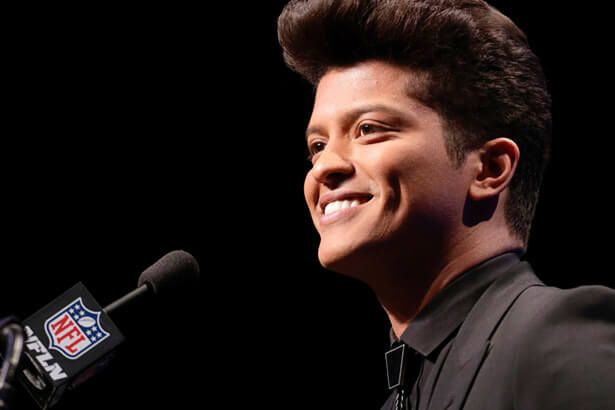 Placeholder - loading - Baixista de Bruno Mars fala sobre novo álbum do cantor Background