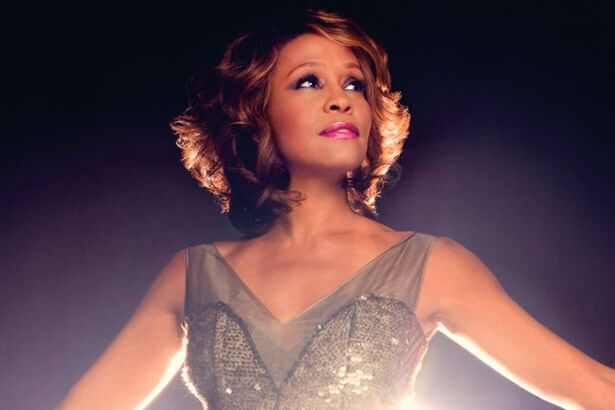 Confira curiosidades sobre Whitney Houston Background