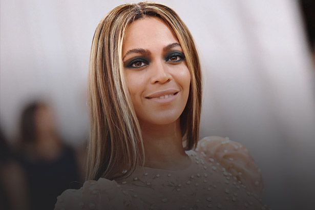 Beyoncé prepara novas faixas e turnê surpresa Background