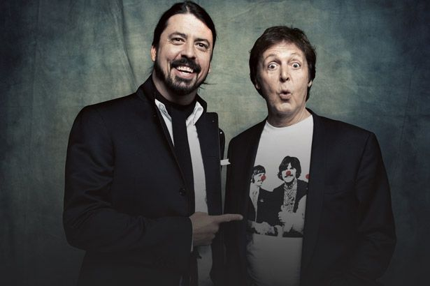 Placeholder - loading - Imagem da notícia Paul McCartney em disco do Foo Fighters