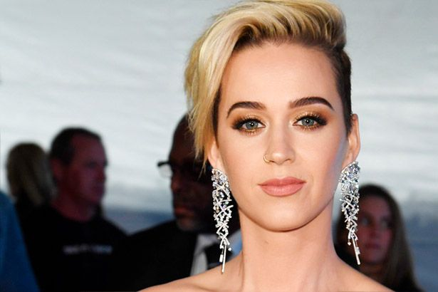 Katy Perry anuncia novidades Background