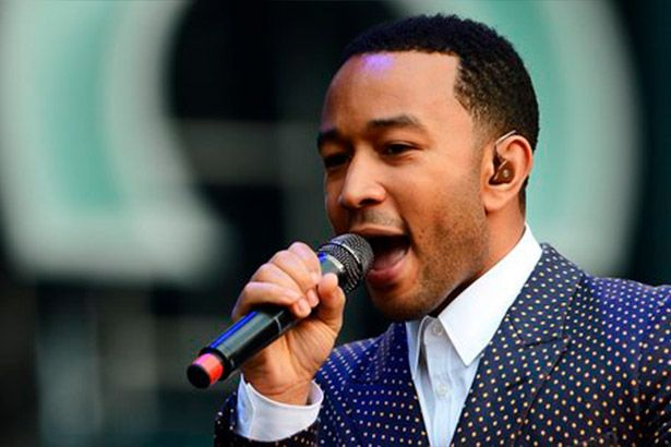 John Legend surpreende em metrô de Londres Background