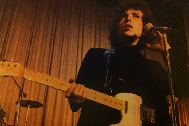 Bob Dylan anuncia box com 36 discos de turnê mundial dos anos 60 Background