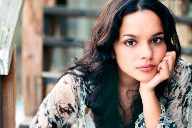 Conheça novo single de Norah Jones Background