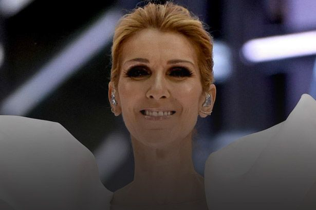 "Céline Dion faz performance emocionante de ""My Heart Will Go On"" Background"