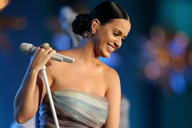 Placeholder - loading - Katy Perry cancela show por causa de emergência familiar Background