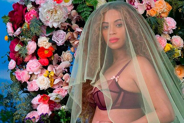 Placeholder - loading - Ao anunciar gravidez, Beyoncé tem foto mais curtida da história Background