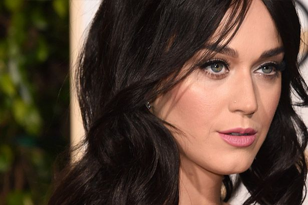 Katy Perry é anunciada para cantar no Grammy Background