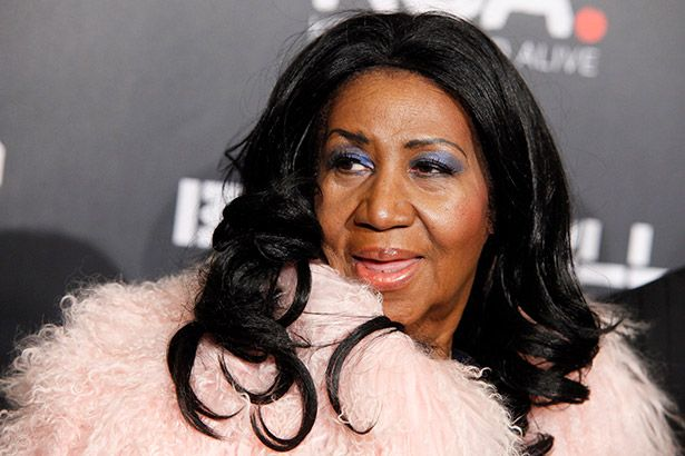 Aretha Franklin anuncia aposentadoria dos palcos Background