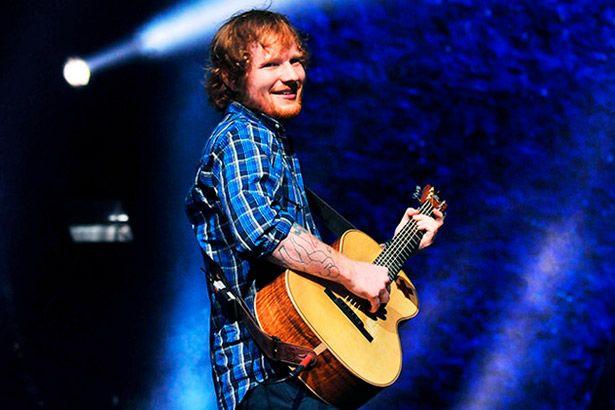 Ed Sheeran emplaca primeira posição nas paradas britânicas Background