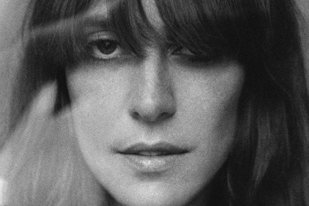 Feist lança novo clipe Background
