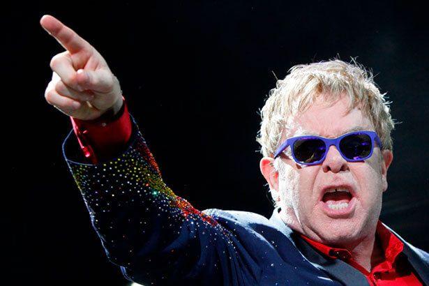 Elton John está escrevendo autobiografia Background