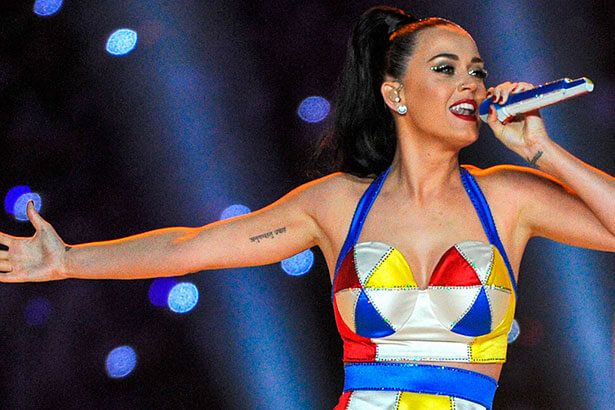 Katy Perry divulga retorno para 2017 Background
