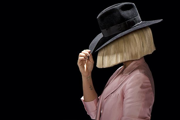 Sia lança lyric video de Move Your Body Background