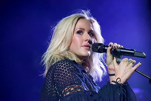 Ellie Goulding estreia clipe de seu novo single Background