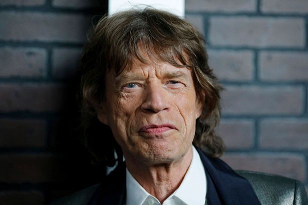 Placeholder - loading - Aos 73 anos, Mick Jagger é pai novamente Background
