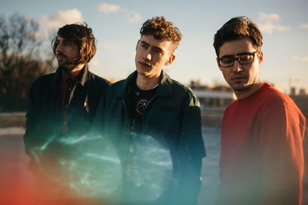 Years & Years lança novo clipe; assista Background