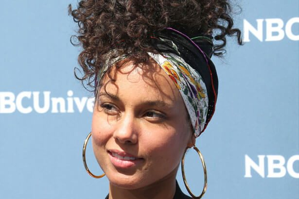 Alicia Keys apresenta nova música ao vivo Background