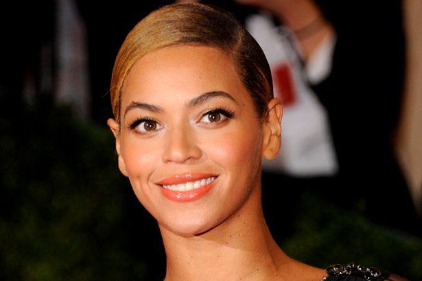 Beyoncé realiza sonho de fã com câncer terminal Background
