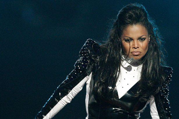Três meses após nascimento do filho, Janet Jackson termina casamento Background