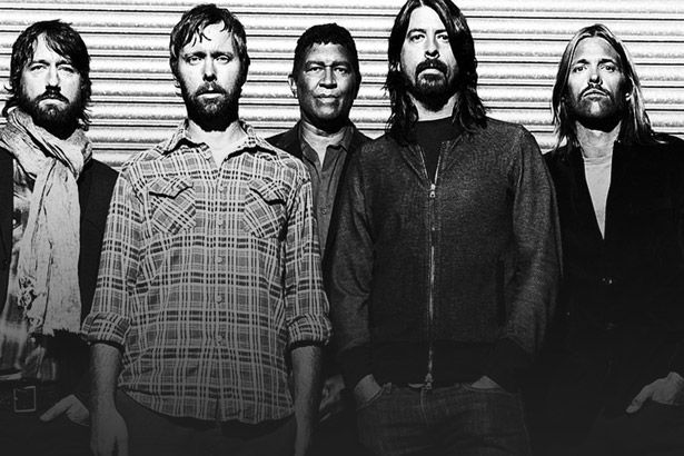 "Confira clipe de ""The Sky Is a Neighborhood"", do Foo Fighters Background"