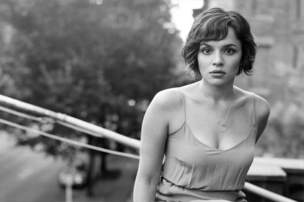 Norah Jones libera música inédita com lyric video Background