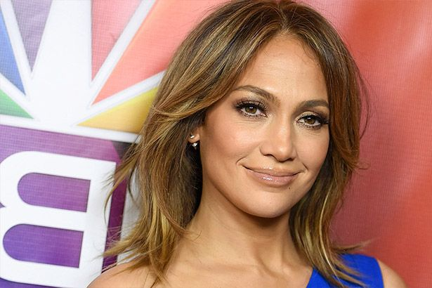 Jennifer Lopez faz parceria com Drake Background