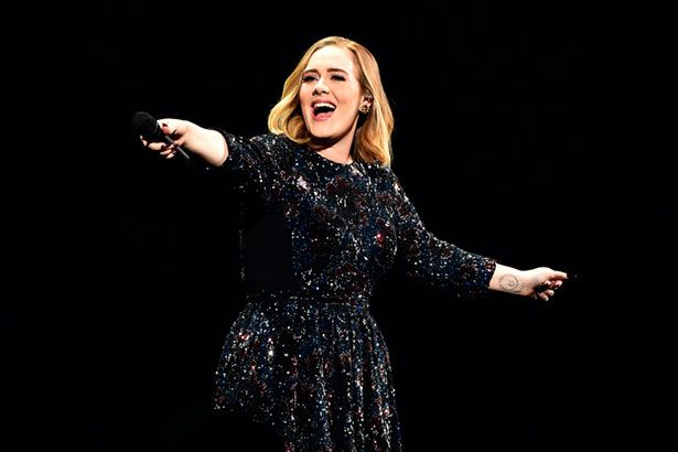Adele pode passar 10 anos longe de turnês Background