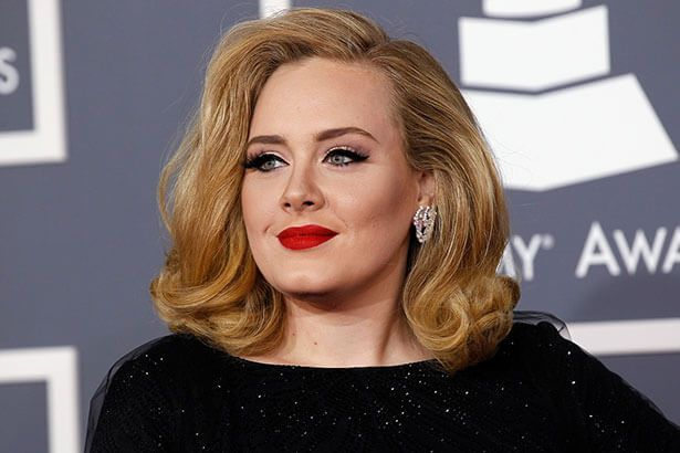 Adele anuncia Water Under The Bridge como novo single Background