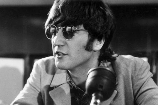 Placeholder - loading - Leilão vende violão de John Lennon por US$ 2,4 milhões Background