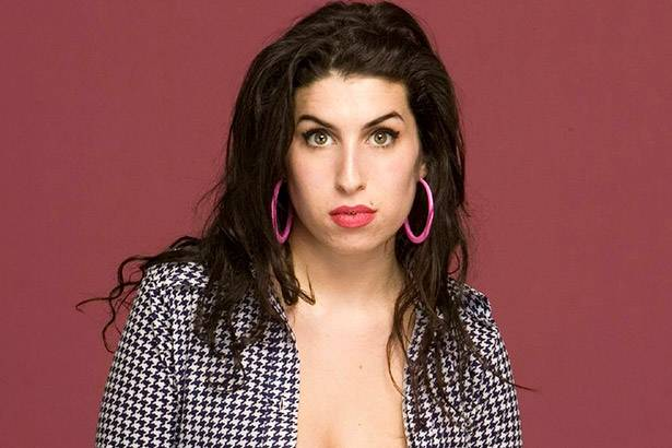 Filme sobre Amy Winehouse ficará mais tempo no Brasil Background