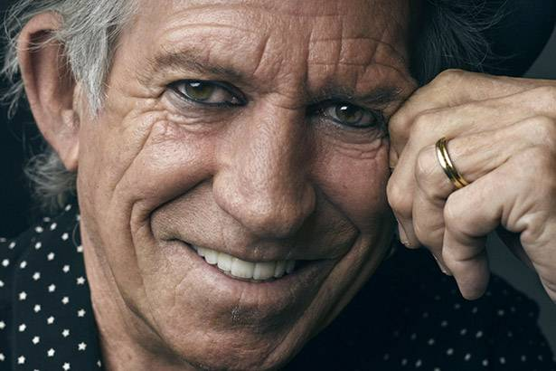 "Keith Richards lança clipe de ""Love Overdue"" Background"